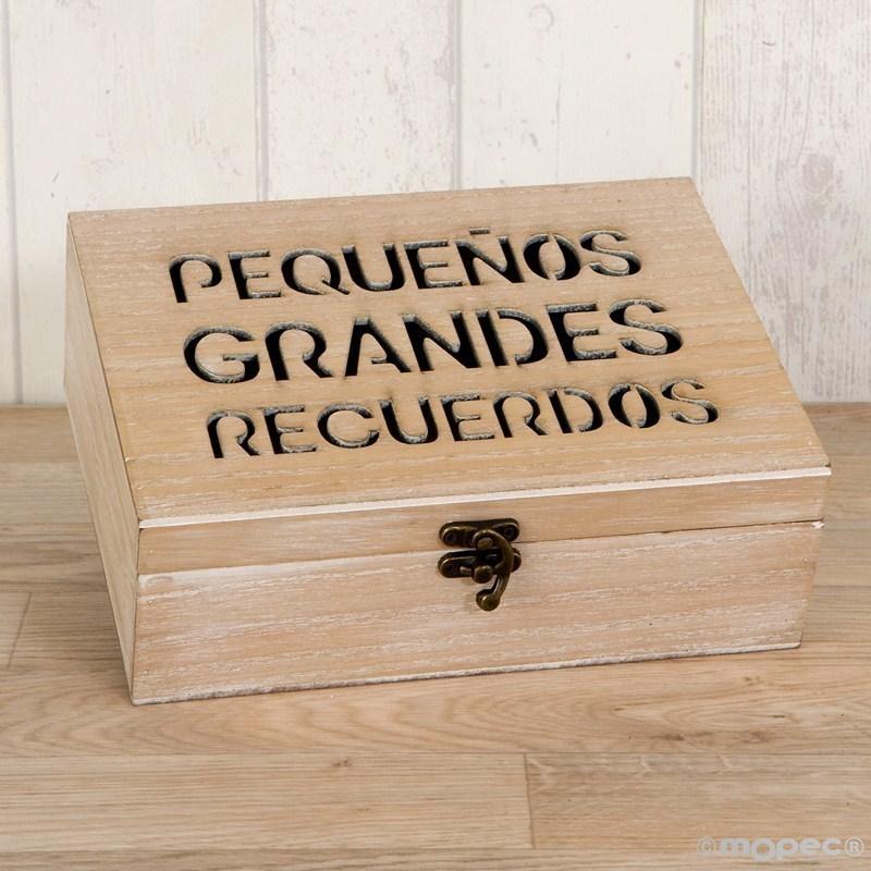 Cofre de madera para recuerdos for Cajas personalizadas con fotos